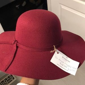 Accessories - NWT - red suede hat